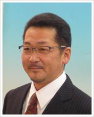 営業課長 伊藤 信彦